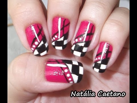 Unhas decoradas &#8211; Fundo rosa com quadriculado nas pontas