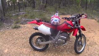 1. Honda XR250R 2004 Dirt Bike