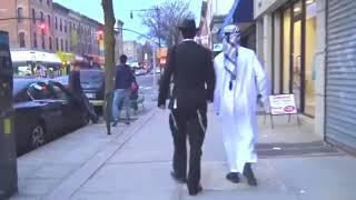 Video 【Experimen】Rekasi Orang Saat Muslim Dan Yahudi Berjalan Bersama Di Jalanan Amerika MP3, 3GP, MP4, WEBM, AVI, FLV November 2018