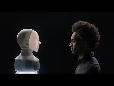 Furhat robot, conçu pour l'interaction en face à face