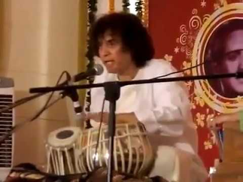 Video Ustad Zakir Hussain Solo 2018 (Best Performance) download in MP3, 3GP, MP4, WEBM, AVI, FLV January 2017