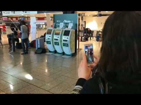 FLASH MOB ALL' AEROPORTO DI GENOVA