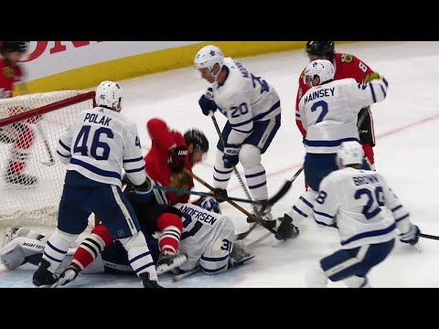 Video: Blackhawks tie game but Maple Leafs argue Andersen was interfered with