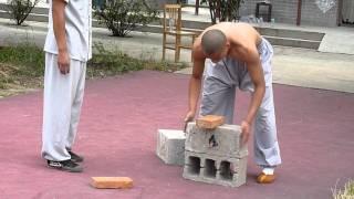 Video Shaolin Kungfu  Breaking Iron and Bricks MP3, 3GP, MP4, WEBM, AVI, FLV Juni 2019