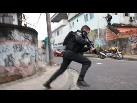 Dia de Guerra na Cidade de Deus durante operação da PM - BCN NEWS
