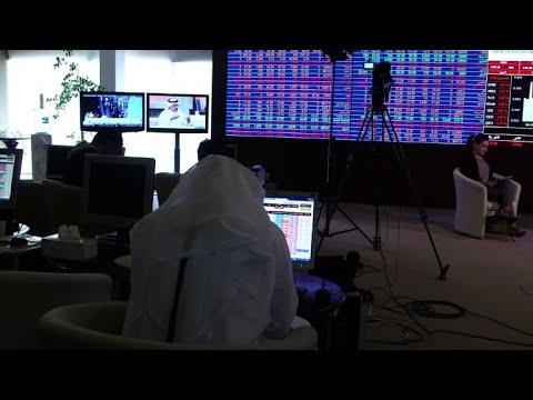 العرب اليوم - شاهد: الأزمة الخليجية تضعف اقتصاد قطر ولا تسقطه