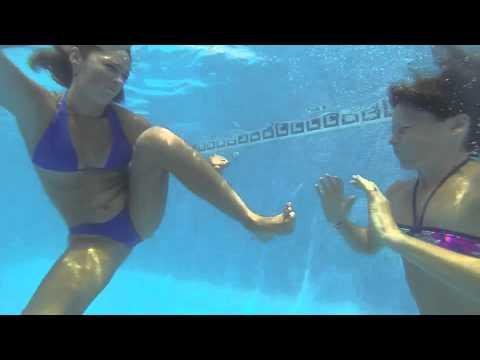 girl fight underwater