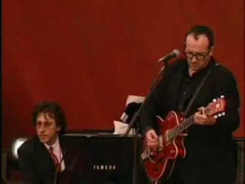 Tekst piosenki Elvis Costello - Alison po polsku