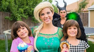 Frozen Elsa and Maleficent help teach TWINS Kindness with Surprise Cupcake Princesses