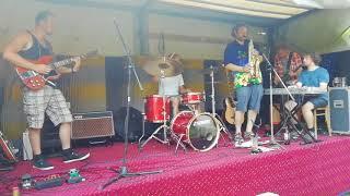 Video MOONLIGHT DRIVE  - Frenkovi narozeniny - v letních top kostýmech