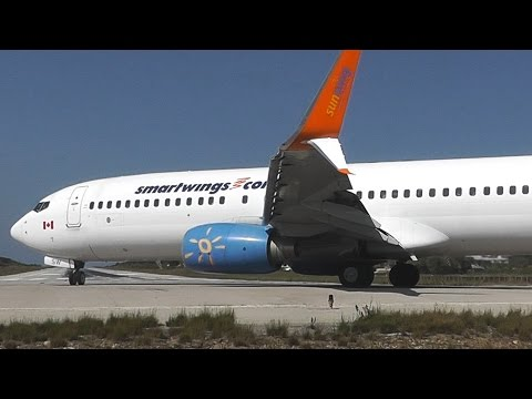 Smartwings 737-800 Skiathos Low Landing & Takeoff - Scimitar Split Winglets - Thomascook A321