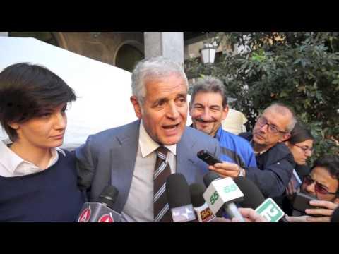 Formigoni apre la campagna elettorale a Varese