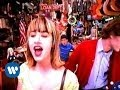 Spustit hudební videoklip The Muffs - Sad Tomorrow (Video)