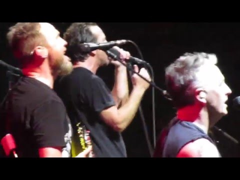 WATCH: Pearl Jam pays tribute to new members of the R&RHOF: Cheap Trick!