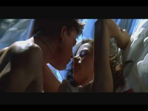 erotske scene - Pearl Harbor ist ein US-amerikanischer Film von Regisseur Michael Bay aus dem Jahr 2001, der zur Zeit des Angriffs der Japaner auf Pearl Harbor und des US-am...