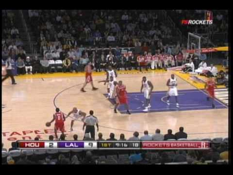 Trevor Ariza loses shoe, Ron Artest tosses it into the stands