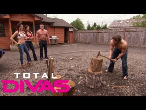 The Bellas challenge Daniel Bryan and John Cena: Total Divas, Aug. 4, 2013