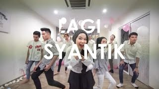 Video Lagi Viral! Dance Lagi Syantik (Siti Badriah) Kompilasi Paling Keren & Gokil MP3, 3GP, MP4, WEBM, AVI, FLV Juli 2018