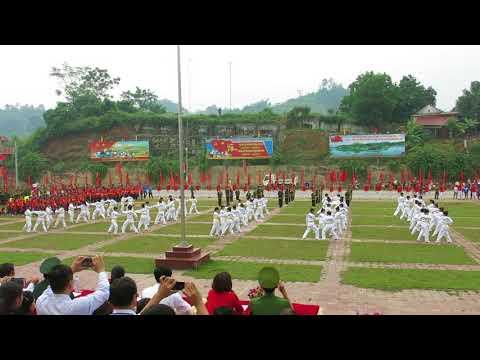 Màn đồng diễn Taekwondo của HS khối 11 tại Lễ khai mạc Đại hội TDTT huyện Bảo Yên lần thứ VIII năm 2017