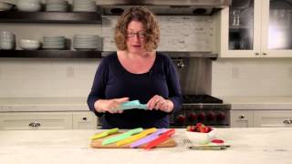 12 Piece Color Knife Set with Blade Guards Demo Video Icon