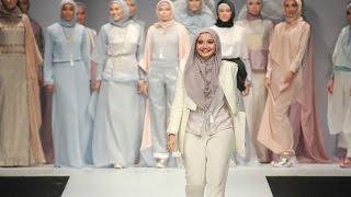 Video Zaskia Sungkar Siap Tampil di London Fashion Week MP3, 3GP, MP4, WEBM, AVI, FLV Februari 2019