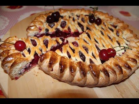 Фото открытого пирога с вишней