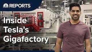 Video Take a tour inside Tesla's first Gigafactory | CNBC Reports MP3, 3GP, MP4, WEBM, AVI, FLV Juli 2019