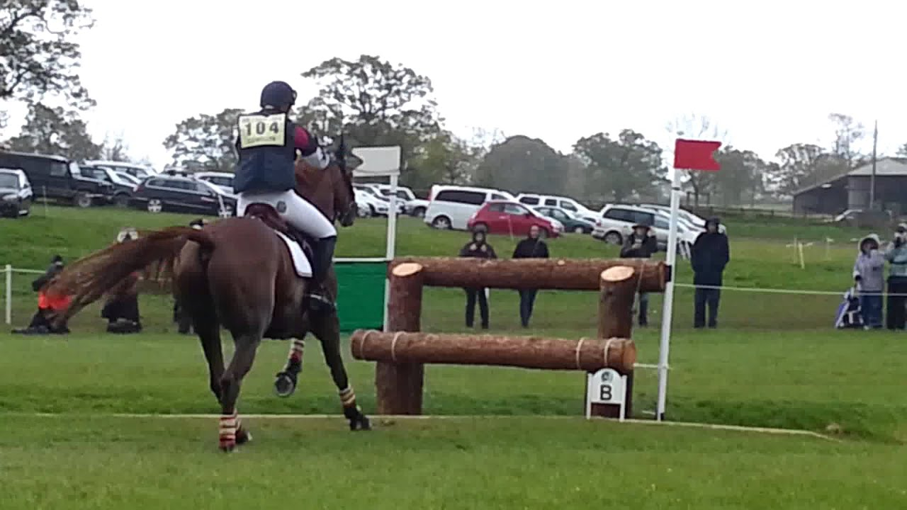 Emily Llewellyn and Greenlawn Skyhigh in the vicarage field, Badminton 2014