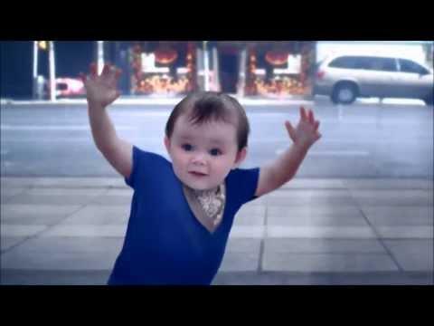 em bé nhảy cực dễ thương