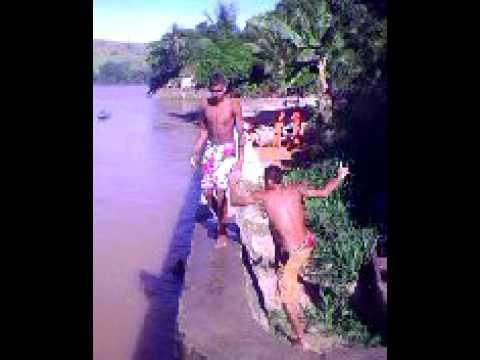 pulando do Caz em itapebi-BA