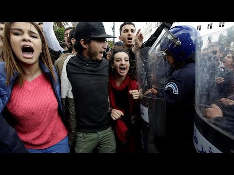 Algerien: Proteste gegen Präsident Bouteflika weiten  ...