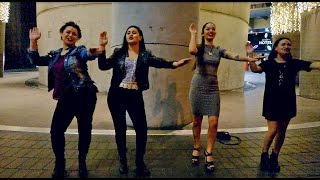 These beautiful four maori girls just made our night when they offered us making a maori performance. This is right by the Sky tower in Auckland. Isn´t maori ...
