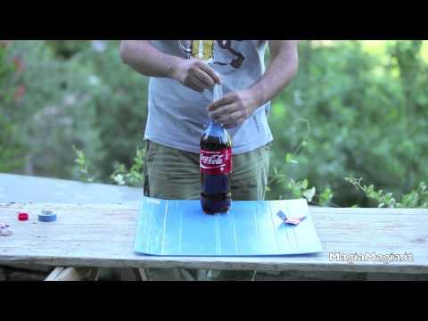男子把保險套裝在可樂瓶口 最後引發超爆笑反應