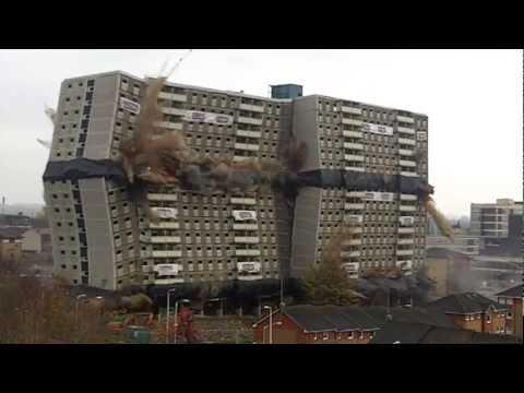 شاهد لحظات تفجير برج ضخم في اسكتلندا