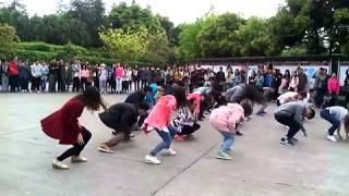 Luzhou China  city pictures gallery : A Michael Jackson flash mob dance in Luzhou, China 2015