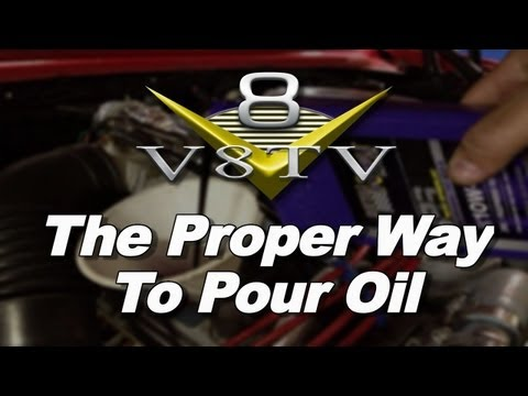 Pour Engine Oil The Correct Way