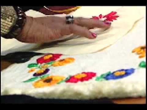 bordado en cinta - Materiales. - Cintas de los colores deseados. - Tela o ropa a bordar. - Aguja grande. Como hacerlo. 1.- Dibujamos el motivo que queremos en papel para hacer ...