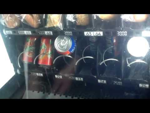 Kille visar hur man enkelt stjäl läsk