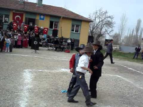 23 NİSAN 2011 4-A SINIFI KOMEDİ DANS GÖSTERİSİ.MPG