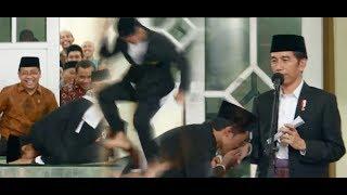 "Video Ngakak, Presiden Jokowi Bikin Santri ""BeatBox"" Sampai Sujud & Lompat MP3, 3GP, MP4, WEBM, AVI, FLV November 2017"