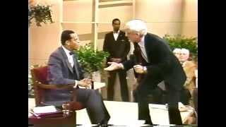Video ''Minister Farrakhan's First Appearance On Donahue 1985.'' MP3, 3GP, MP4, WEBM, AVI, FLV Juli 2018