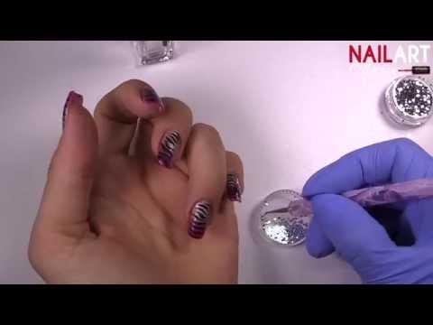 nail art con effetto zebrato