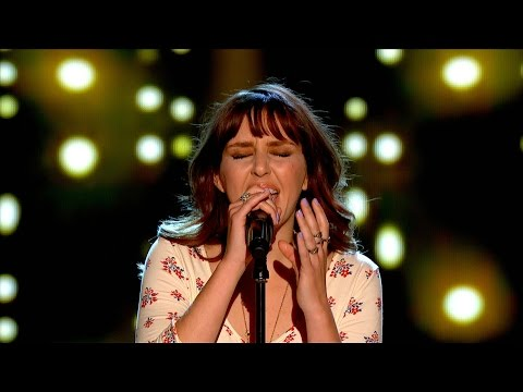 UK - http://www.bbc.co.uk/thevoiceuk Former YouTube sensation Esmée Denters performs her very own rendition of 'Yellow' by Coldplay prompting all four Coaches to hit their buttons and landing...