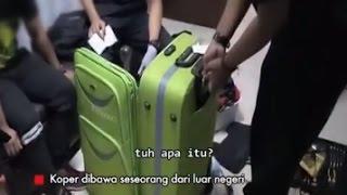 Video Petugas Temukan Narkoba Jenis Sabu saat Memeriksa Koper Penumpang - IB 07/02 MP3, 3GP, MP4, WEBM, AVI, FLV Oktober 2018