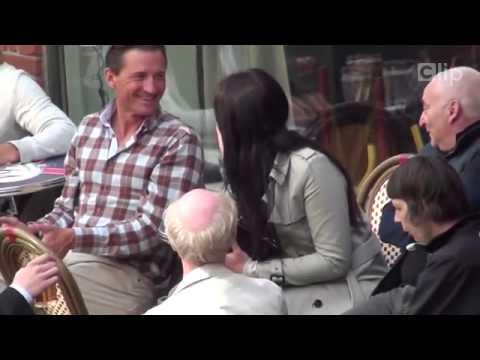 clip: choáng váng với gái xinh thả ngực khủng dạo phố