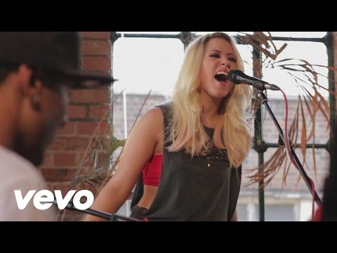 Amelia Lily - Wide Awake(cover) lyrics