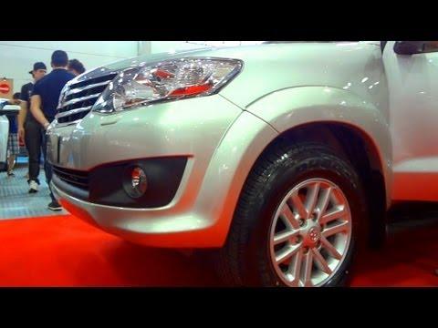 SHOWROOM 2013 Toyota Hilux SW4 @ Salão do Automóvel de Curitiba