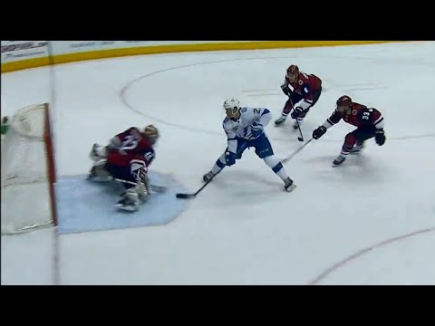 Video: Point gets behind defence scores on backhand