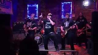 Video Backfliping dog (BFD) - Fízlovský stát + Revoluce od stolu Live!