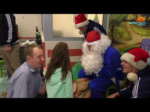 Wigry Suwałki. W szpitalu w roli Mikołajów wygrali uśmiech dzieci